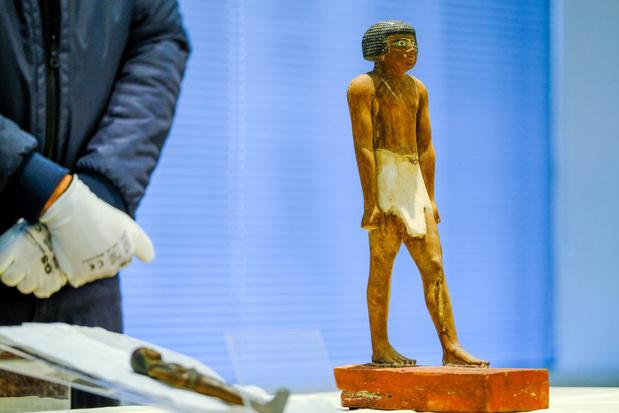 België geeft twee geroofde beeldjes terug aan Egypte