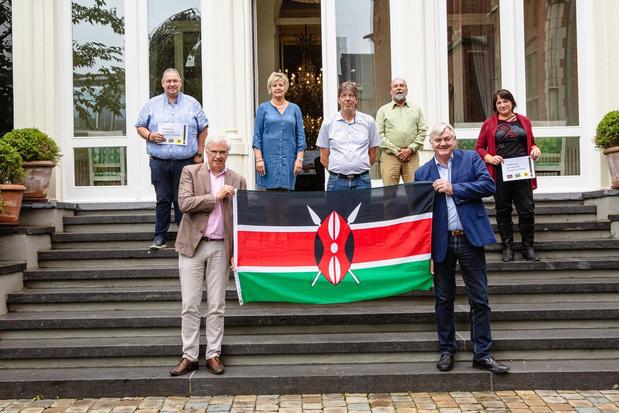 Belgische ambassadeur deelt 320 voedselpakketten uit op de grootste vuilnisbelt van Oost-Afrika