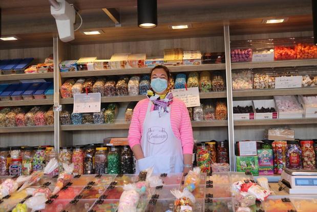 """Nathalie kan terug snoep verkopen om markt van Diksmuide: """"Blij om iedereen terug te zien"""""""