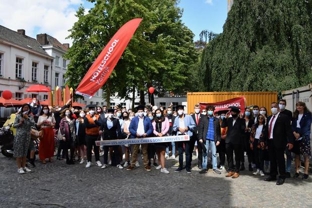Afgestudeerden aan hotelschool maken rondtoer langs Kortrijkse horeca voor ze diploma in ontvangst nemen