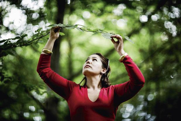 Actrice Dahlia Pessemiers gaat solo met 'De eerste keer': 'Ik wil vooroordelen doen wankelen'