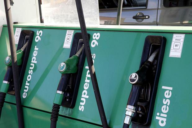 Benzineprijs stijgt naar hoogste niveau sinds 2014