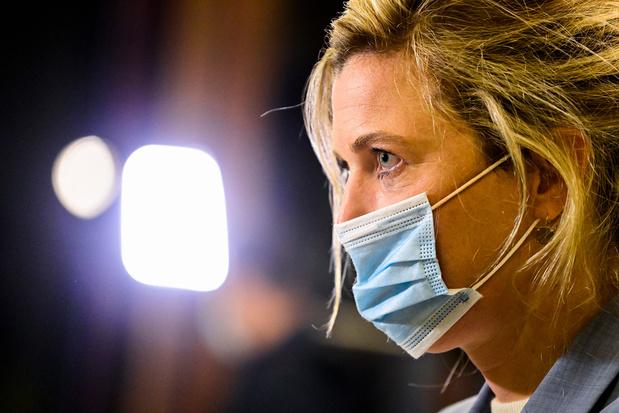 Minister Annelies Verlinden (CD&V): 'Waar nodig, zal de politie ook op Kerstmis aanbellen'