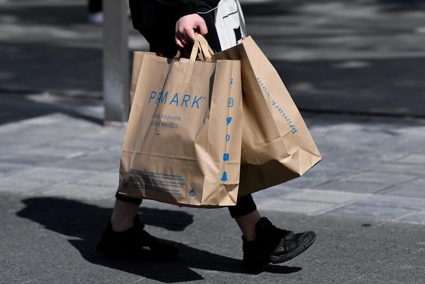 'Dat Primark gaat verduurzamen, verhelpt niet dat kleding geproduceerd en geconsumeerd wordt als zoete broodjes'
