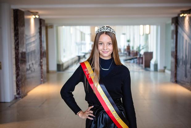 """Louise-Marie Losfeld kroont zich tot Miss West-Vlaanderen 2021:""""En nu wil ik Miss België worden"""""""