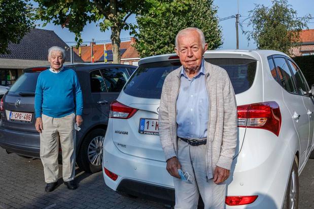 Pioniers van minder mobiele centrale in Ledegem geven de fakkel door