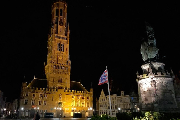VIDEO Zegeklok zorgt voor kippenvelmoment in Brugge