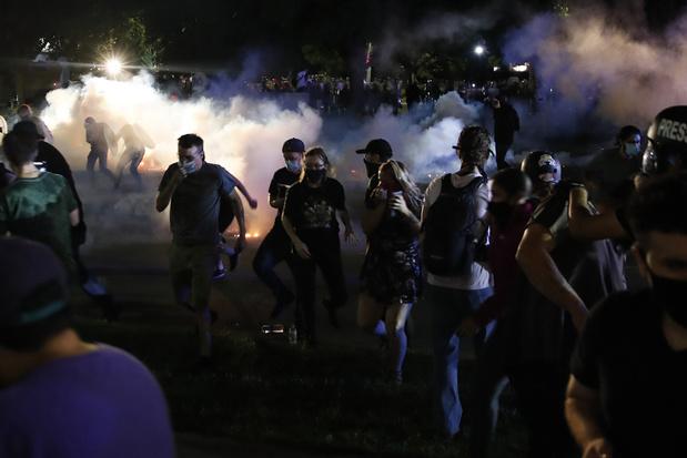 Rellen Wisconsin: Trump stuurt federale ordehandhavers, 17-jarige opgepakt voor dood van twee demonstranten