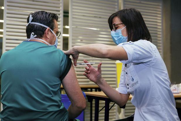 Vaccinatie zorgverleners komt op gang
