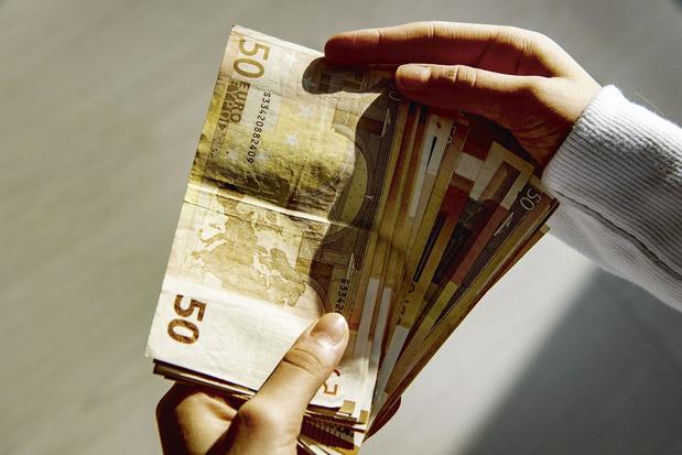 Hoe worden de covidsteunpremies belast?