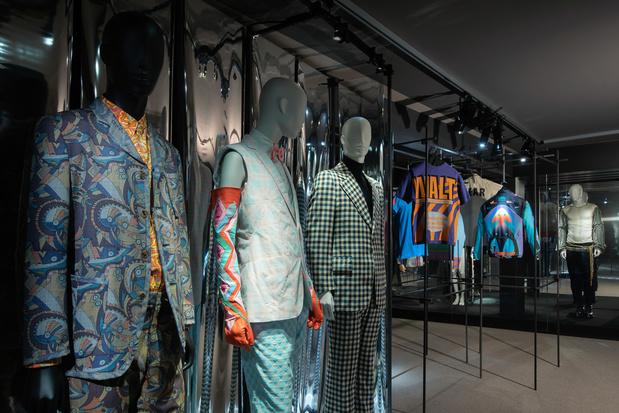 Mode-expo 'Masculinities' toont de gelaagdheid van mannenmode en mannelijkheid