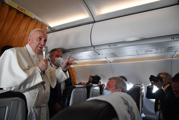 Paus zegt op terugvlucht van Slovakije dat abortus moord is