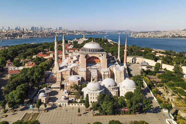 Turkije start onmiddellijk voorbereidingen om Hagia Sophia te openen als moskee