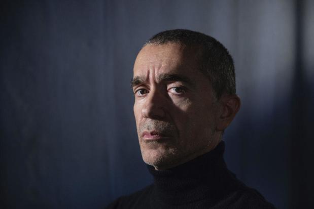 Romeo Castellucci brengt straatperformance naar Brussel: 'We houden de politie een spiegel voor'
