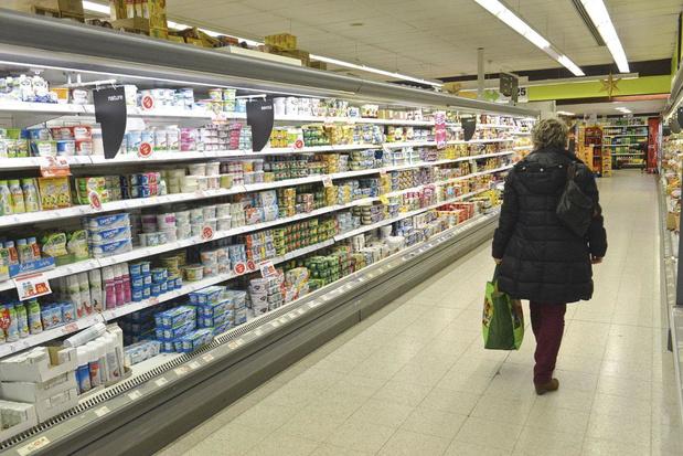 Carrefour décide à son tour de fermer ses magasins à 20h00