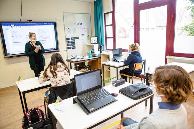 Mondmaskers in de klas, maar wat met dove leerlingen die liplezen?