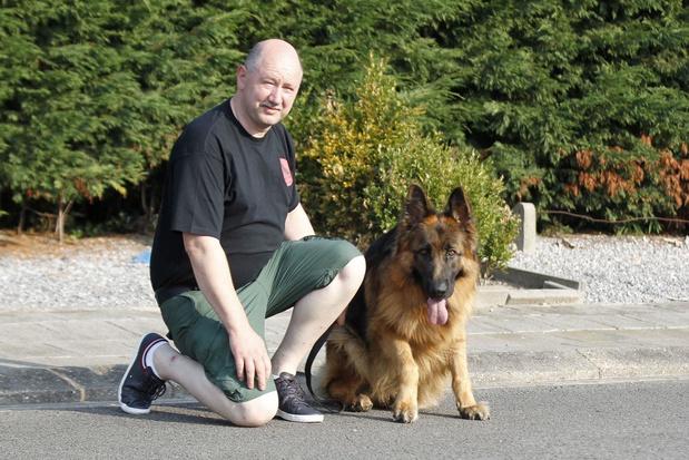 """Kris Dejonghe uit Ichtegem traint honden aan huis: """"Mensen kopen vaak hond die niet bij hen past"""""""