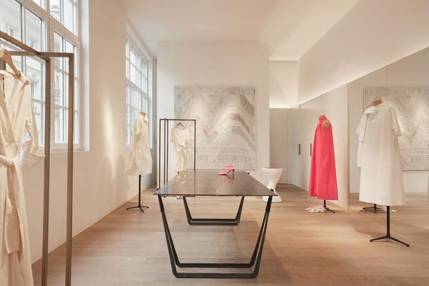 Designer Ben Storms stelt tentoon bij modehuis Natan