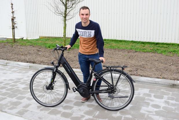 Wielrenner Jari opent eigen fietsenzaak in Sint-Juliaan