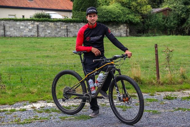 Ex-kankerpatiënt fietst 100 keer de Kemmelberg op en af voor Kom op Tegen Kanker