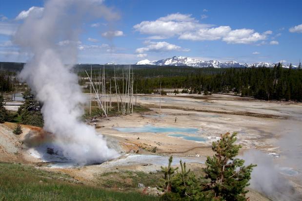 Zie hoe de enorme Giantess geiser in Yellowstone voor het eerst in zes jaar weer spuit