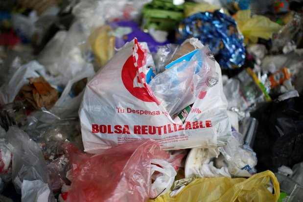 Megasteden in de wereld verklaren plastic zakjes de oorlog