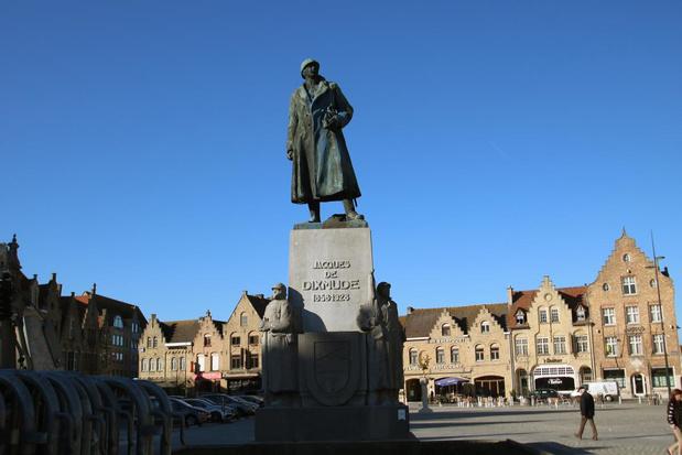 Stadsbestuur Diksmuide niet van plan om beeld van generaal Jacques te verplaatsen
