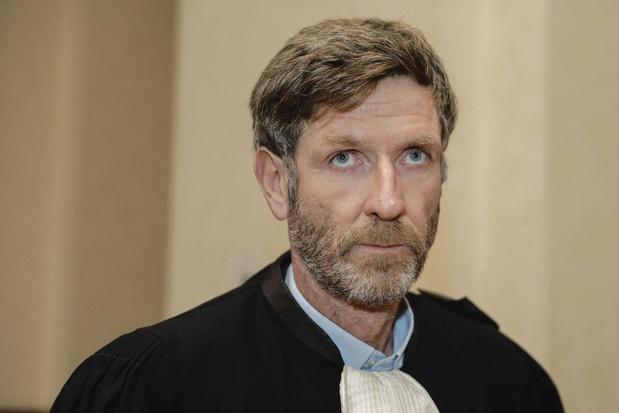 """"""" Aucun juré ne peut fournir le moindre gage de sa compétence """""""