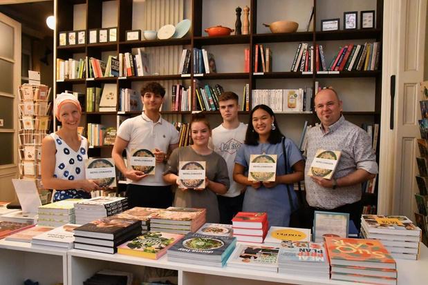 Leerlingen wereldgastronomie van Athena brengen kookboek 'Wereldsmaken' uit