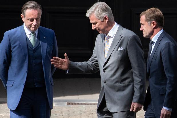 Koning laat De Wever en Magnette regering vormen aan vooravond van nationale feestdag