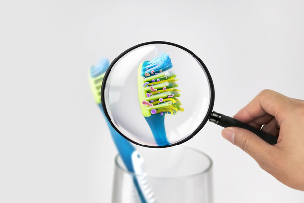 'De bacteriën op je tandenborstel kunnen resistent worden tegen antibiotica'