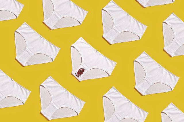 La sacrée paire de Mélanie Geelkens : les distributeurs de sextoys et de tampons