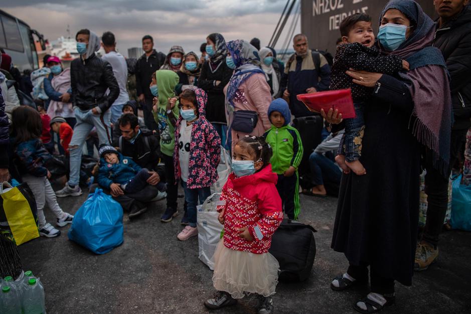 'Geen opengrenzenbeleid, wel verantwoordelijkheid nemen': Christophe Busch tekent petitie voor migranten op Lesbos