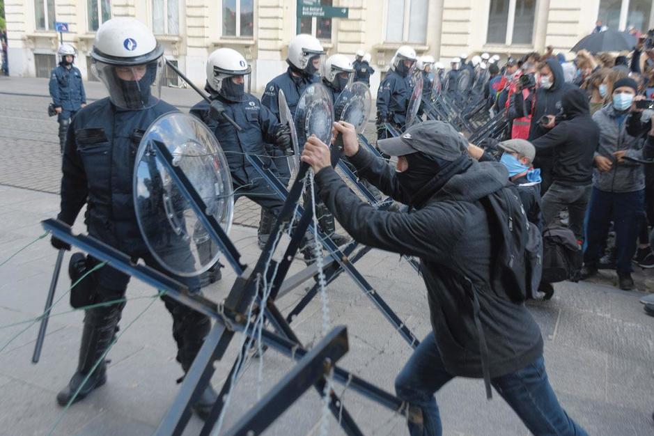 Police, pourquoi tant de haine