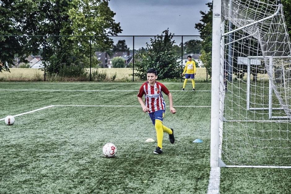 Kraainem FC, een Brusselse tweedeprovincialer, zet deuren open voor minderjarige vluchtelingen