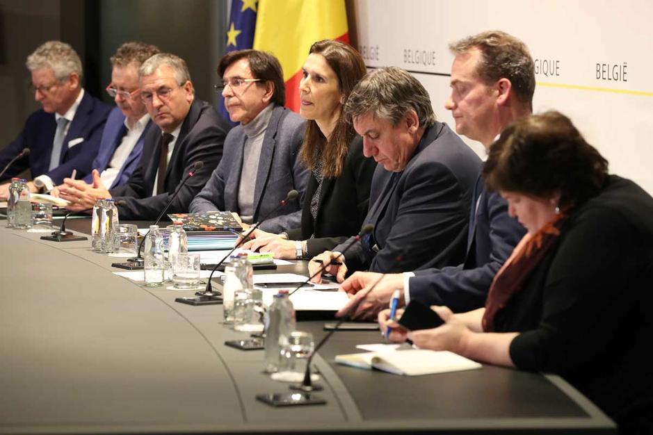 De Wetstraat op intensieve zorg: de slechte gezondheid van de Vlaamse politiek te boek gesteld
