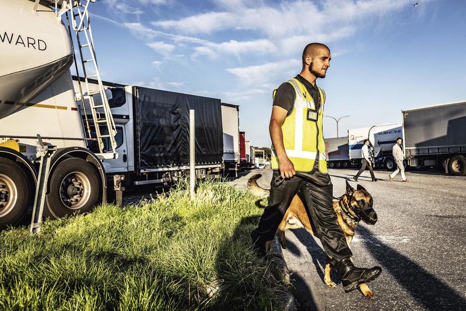 Aantal transmigranten neemt weer toe: 'Onze agenten kijken bewust de andere kant op'