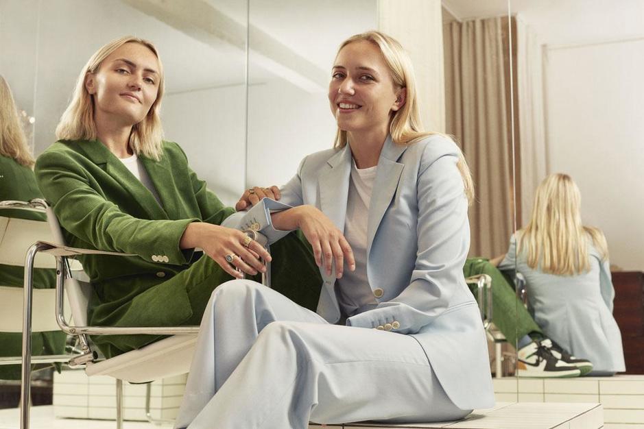 Deze broers en zussen startten samen een modelabel: 'We hebben elkaar opnieuw leren kennen'