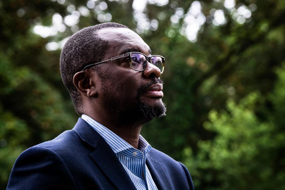 60 jaar Congo volgens politoloog Bob Kabamba: 'Standbeelden van Leopold II ergeren me niet'