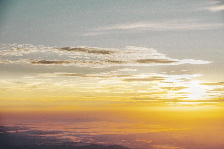 Symbolisch en biologisch: waarom is licht zo belangrijk in ons leven?