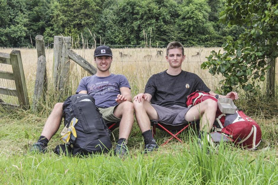 Louis Van de Voorde uit Oedelem wandelt 120 km tot in de Ardennen als staycation