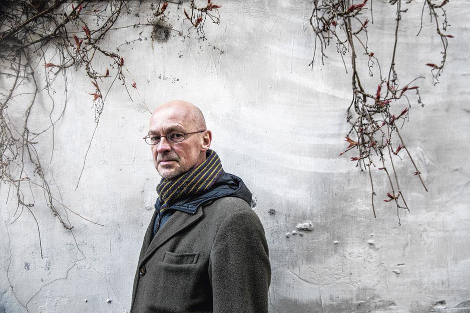 Schrijver Bart Meuleman: 'De N-VA zou volgens mij graag betere vriendjes met kunstenaars zijn'