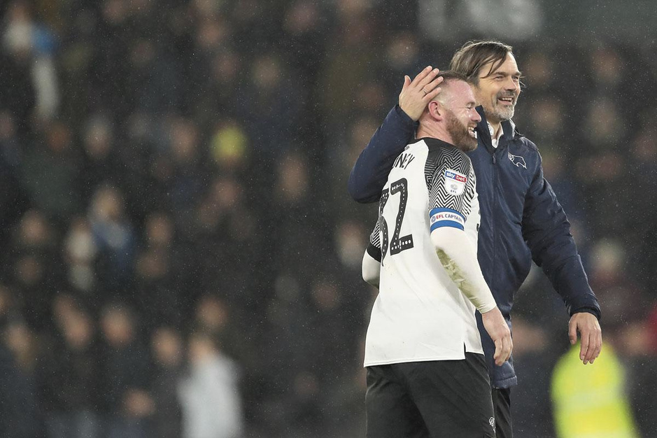 Wayne Rooney stoomt zich bij Derby County (en Philippe Cocu) klaar voor trainersvak