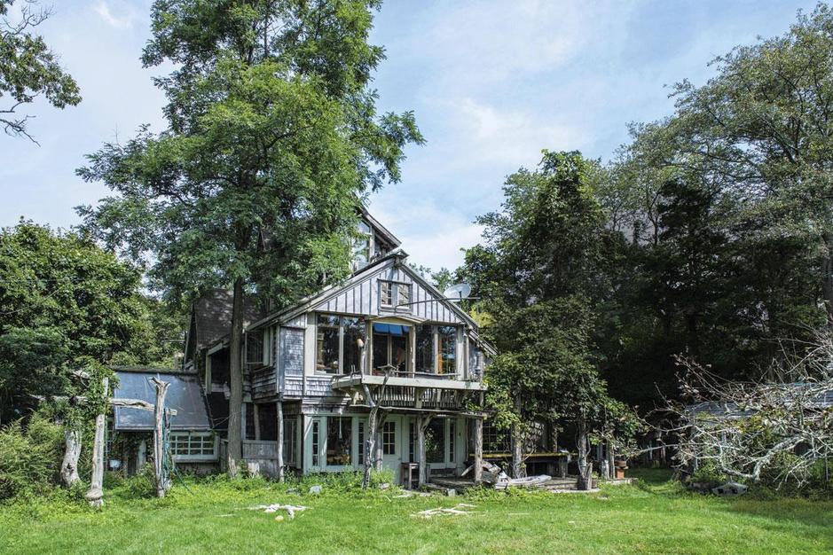 Kluskunst op Long Island: een sprookjeshuis van afgedankte bouwmaterialen