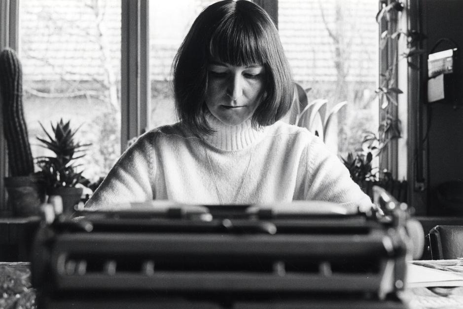 Een eigen plek. Medeplichtigheid, verzet en koloniale fantasie in Mireille Cottenjés Dagboek van Carla (1968)