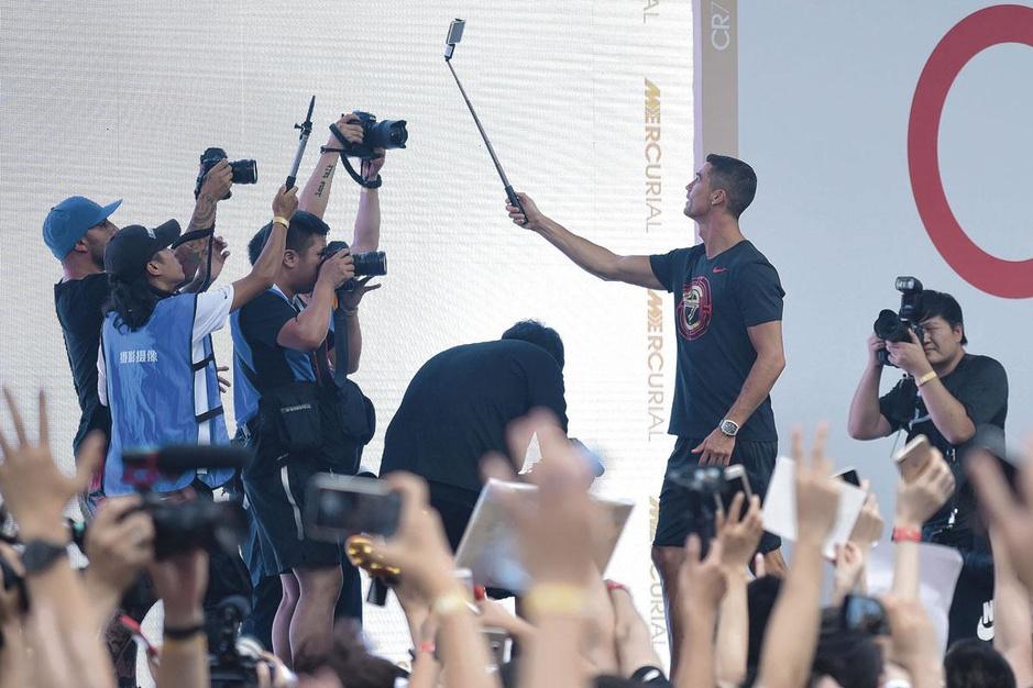 Waarom social media onmisbaar zijn geworden voor voetballers en clubs