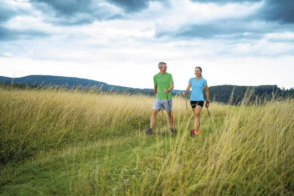 Waarom nordic walking een volwaardige sport is: je gebruikt tot 90 procent van je spieren