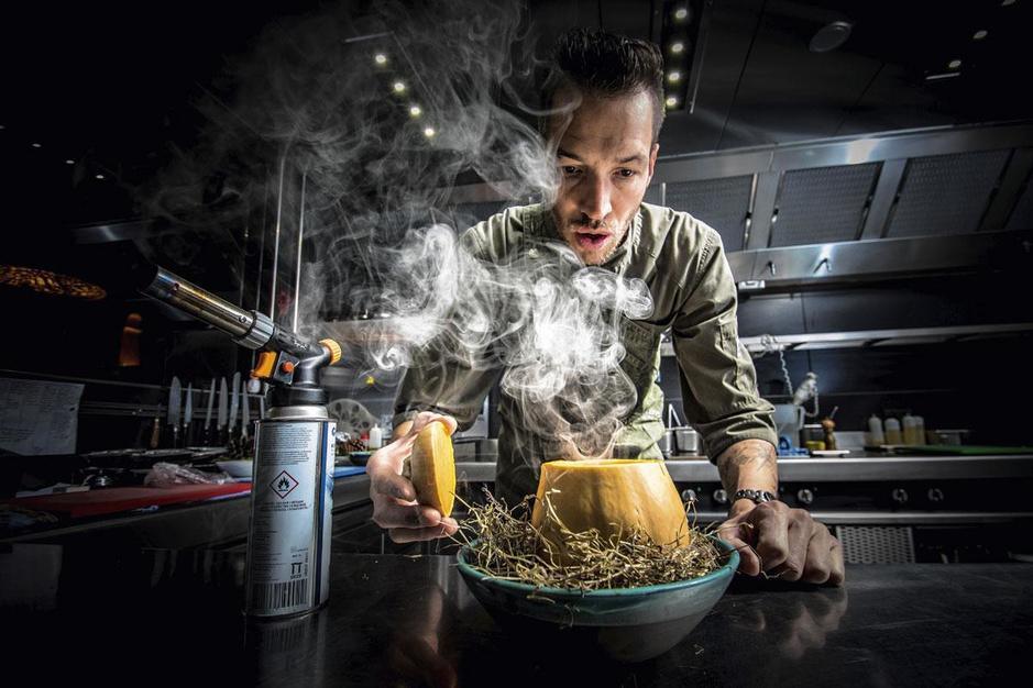 Sterrenchef Edwin Menue van Cuines 33 brengt zijn eerste kookboek uit