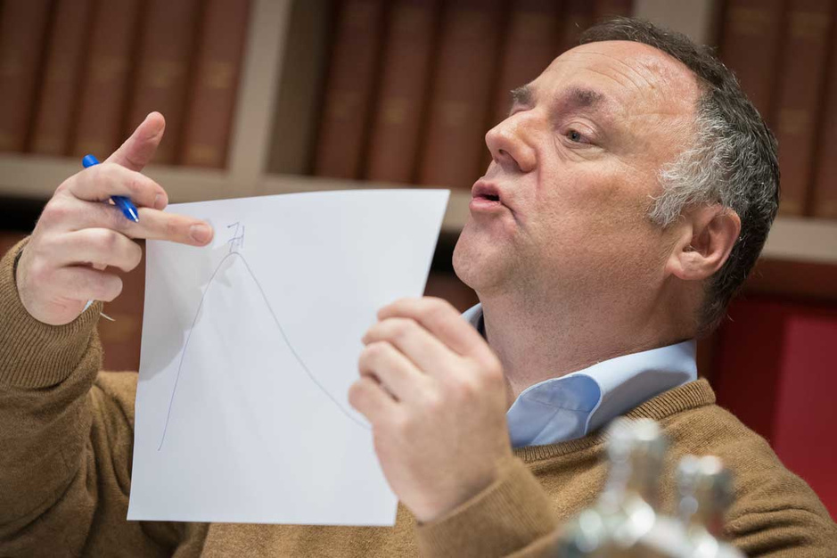 Marc Van Ranst: 'Als we nu de regels niet volgen, dan moeten we het hele land platleggen'