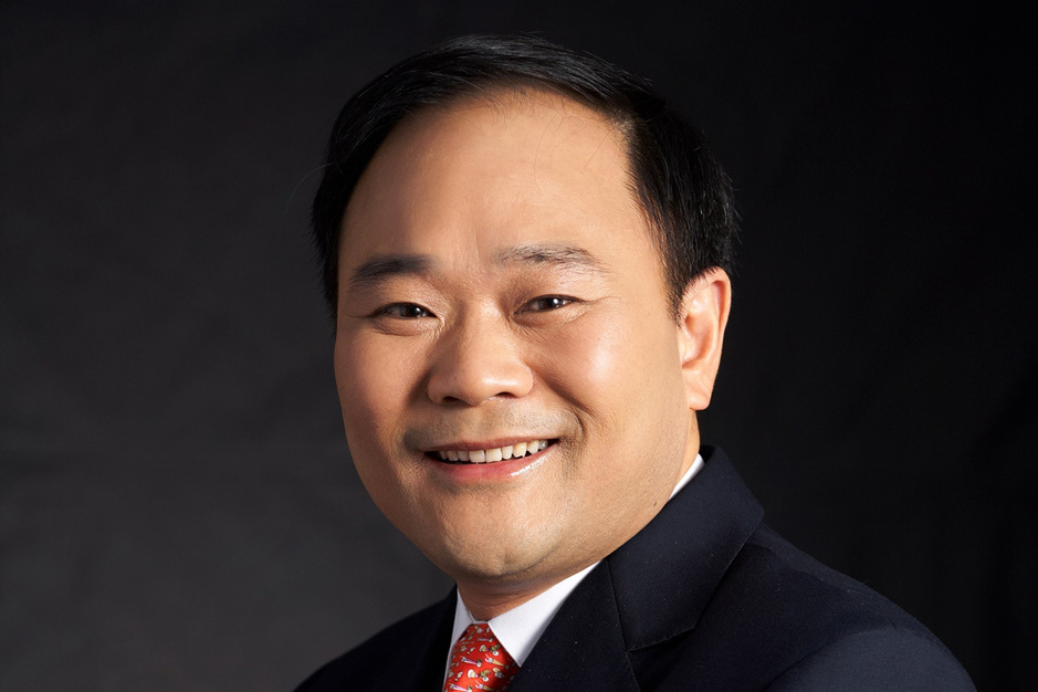 Hoe Geely-topman Li Shufu zijn greep op Mercedes-Benz vergroot